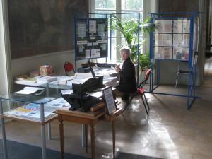 Le stand AFE-AEC avec Liliane TASSET