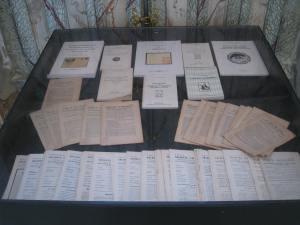Les publications AEC en deux vitrines
