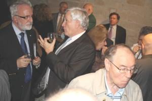 Le Vin d'Honneur de l'Inauguration dans les caves du Château Le Président DESARMENIEN, Richard GROSSE et Jack LUERY